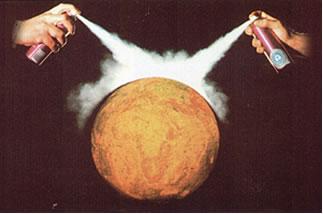 A maioria dos Sprays contém CFCs, que destroem a camada de ozônio