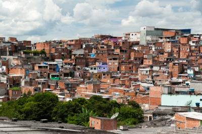 Favela paulista: uma expressão do subdesenvolvimento no espaço geográfico
