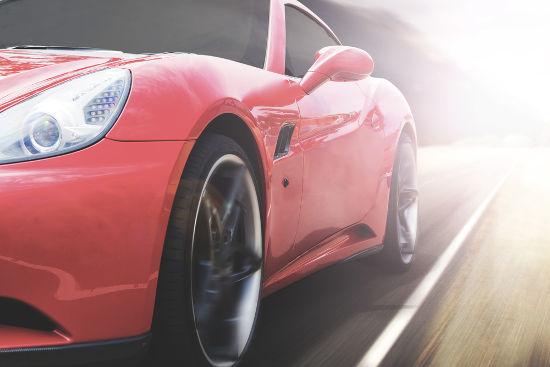 O movimento do veículo pode ser classificado como uniformemente variado se houver variação da velocidade