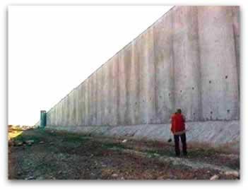 A segregação e o isolamento das pessoas são as principais consequências do Muro de Israel