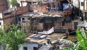 As favelas estão presentes em diversas cidades brasileiras.