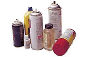 Alguns produtos que contém substâncias inalantes.
