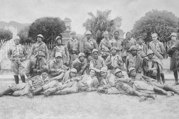 As tropas constitucionalistas exigiam a deposição de Vargas e a recomposição do regime democrático.