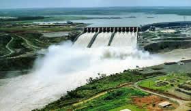 Usinas hidrelétricas: produção de energia através da água.