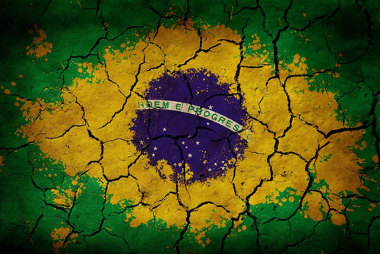 O Brasil vive, atualmente, uma de suas maiores crises de água