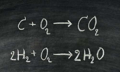 Toda reação química segue a Lei de Proust