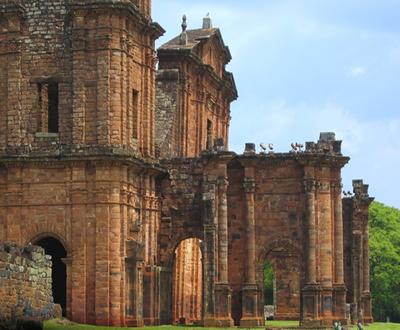 Ruínas em São Miguel das Missões, no Rio Grande do Sul, local utilizado pelos jesuítas para educar os indígenas