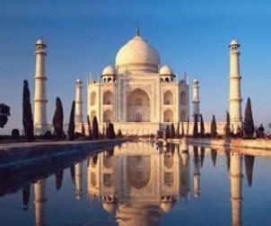 Taj Mahal, um dos monumentos que mais se destaca no continente asiático.