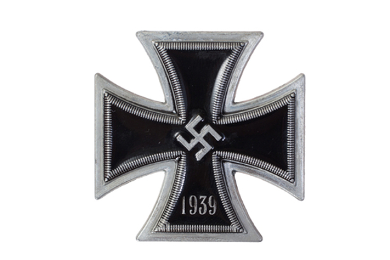 Cruz de ferro nazista com a suástica ao centro