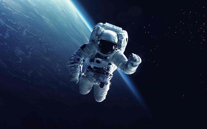 Como os astronautas usam o banheiro quando estão no espaço?