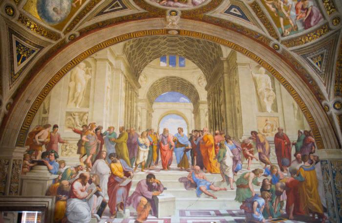 O afresco Escola de Atenas, do pintor renascentista Rafael Sanzio, retrata os principais filósofos da Grécia Antiga.