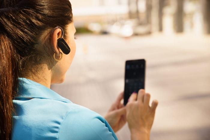 O headset é um exemplo de tecnologia que utiliza transmissão de dados a distância