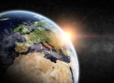 A precessão é apenas um dos vários movimentos da Terra
