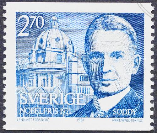 Frederick Soddy propôs as leis da radioatividade *