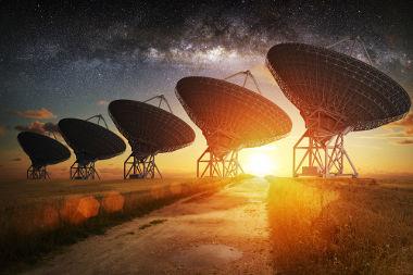 A Astrofísica utiliza diversos instrumentos astronômicos para fazer análises físicas do universo