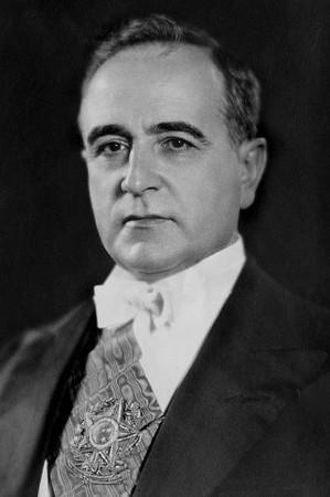 A marcha para o oeste foi idealizada pelo ditador Getúlio Vargas *