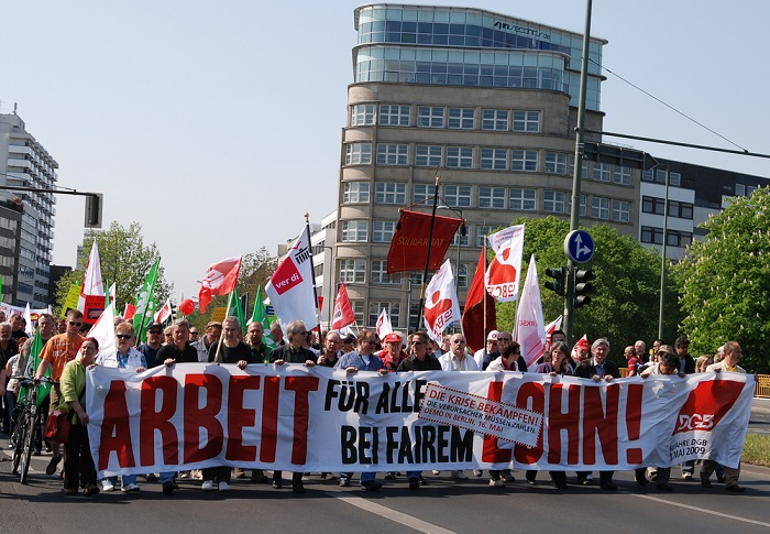 Protesto de trabalhadores alemães que foi organizado durante as comemorações do Dia do Trabalhador*