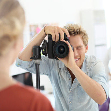 Câmera fotográfica semiprofissional