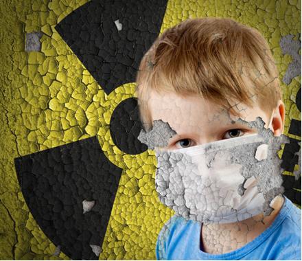 A emissão radioativa natural mais prejudicial aos seres vivos, podendo trazer danos irreparáveis, é a radiação gama