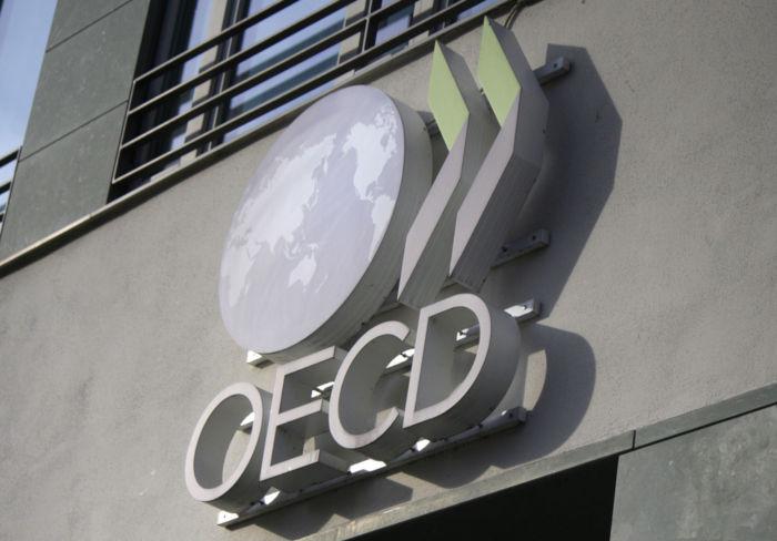 OECD corresponde à sigla em inglês para a Organização para a Cooperação e Desenvolvimento Econômico. *