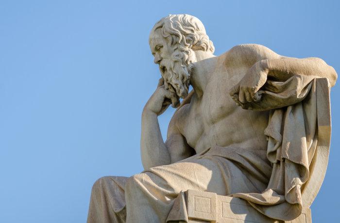 Mestre de Platão, Sócrates teria inaugurado o período antropológico da filosofia grega.