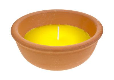 A vela de citronela também pode ser usada como repelente.