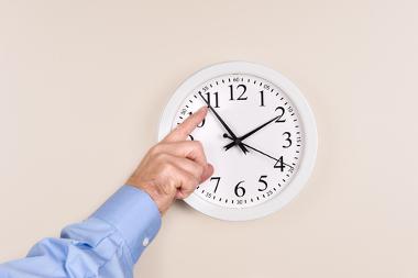 No horário de verão, os relógios são adiantados em uma hora