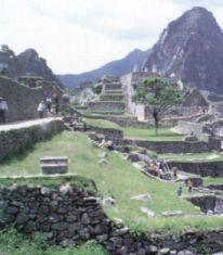 O terremotos não conseguiram destruir as construçoes Incas
