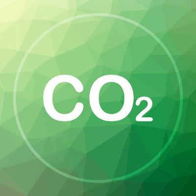 O dióxido de carbono (CO2) é um anidrido ácido que forma ácido ao reagir com a água
