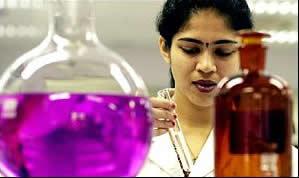 As reações de oxidação energéticas ocorrem com o uso do permanganato de potássio ou do dicromato de potássio em solução ácida e a quente