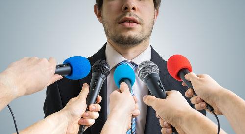 Os microfones são equipamentos que transformam energia sonora em energia elétrica