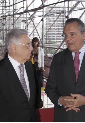 FHC, além de criador do plano real, foi presidente brasileiro por dois mandatos.*