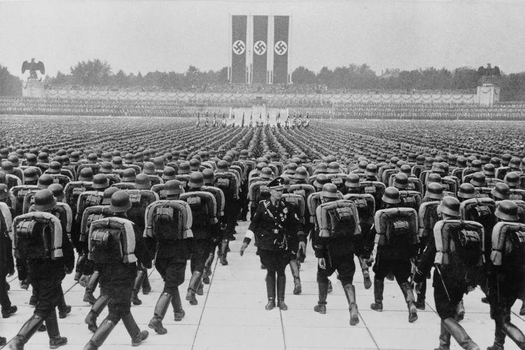O nazismo é um dos regimes totalitários mais conhecidos na história do século XX.*
