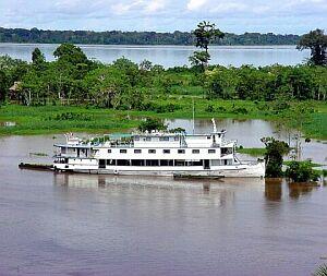 O rio Amazonas é o maior do mundo.