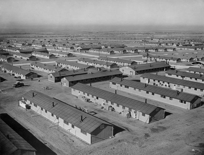 Barracas que receberam os nipo-americanos no campo de Amache, em Granada, Colorado