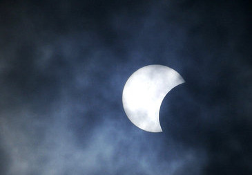 Os eclipses formam um belo espetáculo natural