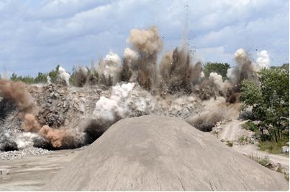 O TNT e a nitroglicerina são nitrocompostos usados como explosivos por mineradoras