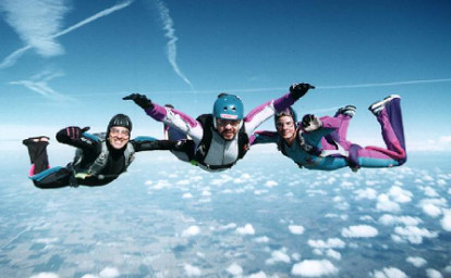 Paraquedista em queda livre