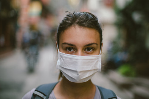O aumento exagerado da frequência de uma doença pode causar uma epidemia