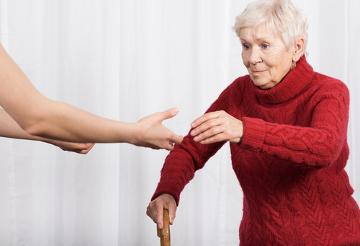 A osteoporose acomete principalmente mulheres idosas
