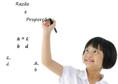 A razão é o quociente entre dois números, e a proporção é a igualdade entre duas razões