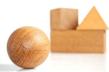 Sólidos geométricos são objetos tridimensionais estudados pela Geometria