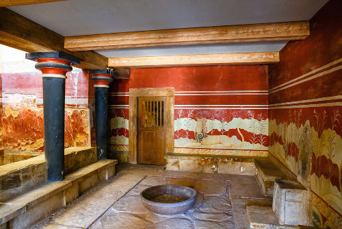 Afrescos encontrados nas paredes do palácio cretense de Cnossos*