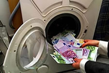 Lavagem de dinheiro é o processo de disfarçar (lavar) um dinheiro de origem ilícita.