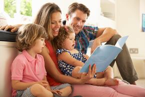 A família é o lugar onde ocorrem as primeiras trocas afetivo-emocionais.