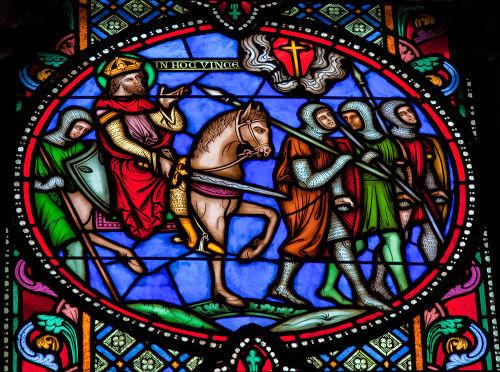 Vitral de uma igreja, localizada na Bélgica, retrata cruzados durante a Primeira Cruzada*