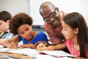 """A educação formal tornou-se universal apenas em tempos """"recentes"""""""