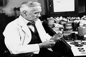 Alexandre Fleming: o pesquisador que descobriu o poder dos fungos do gênero Penicillium.
