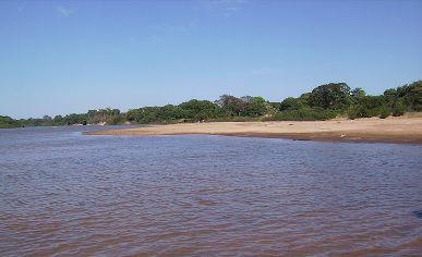 Ilha do Bananal, nas margens do Rio Javaés