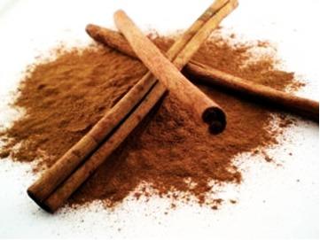 A canela é uma especiaria que além de deixar o alimento muito saboroso, também ajuda a conservá-lo